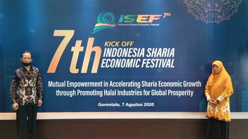Guru MAN IC Gorontalo Hadiri Kick Off Festival Ekonomi Syariah